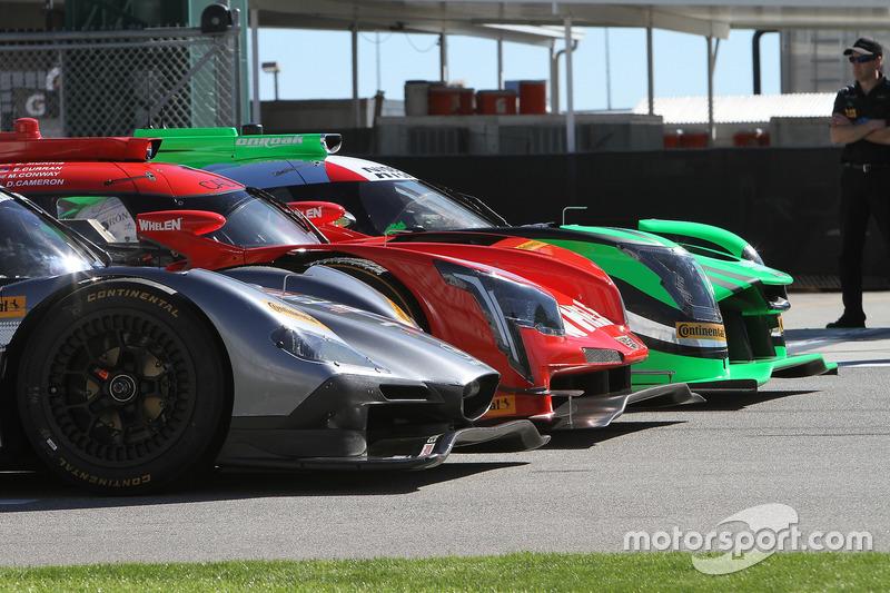 Nissan DPi команды Tequila Patrón ESM, Cadillac DPi команды Action Express Racing; Mazda DPi команды Mazda Motorsports