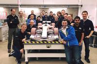 Співробітники Manor з моделлю для продувки в аеродинамічному тунелі