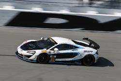 #69 Motorsports In Action, McLaren GT4: Jesse Lazare, Chris Green