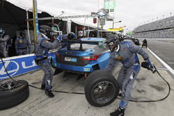 #15 3GT Racing Lexus RCF GT3: Dominik Farnbacher, Robert Alon, Jack Hawksworth, Austin Cindric, pit actie