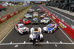 Bathurst 12 Hour cars group photo