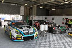 Garage of the #60 BMW Team SRM, BMW M6 GT3: Steve Richards, Mark Winterbottom, Marco Wittmann