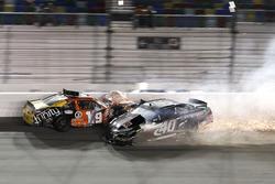 Kaza: Matt Tifft, Joe Gibbs Racing Toyota and Brandon Hightower, Toyota