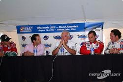 Conferencia de presna de pilotos mexicanos: Adrián Fernández, Héctor Rebáque, Chris Pook, Michel Jourdain Jr. and Mario Domínguez