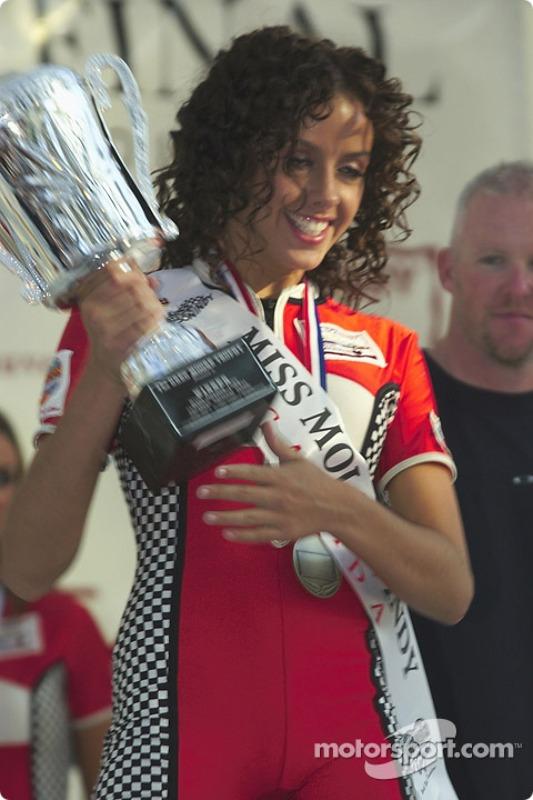 La gagnante du concours Canadian Miss Molson Indy 2004
