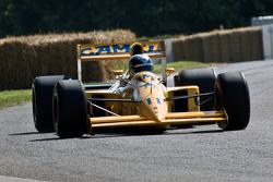 1990 Lotus F1 car