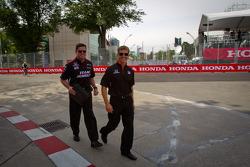 Track inspection for Ryan Briscoe, Team Penske