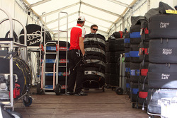 Tyre tent of both manufacturers