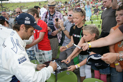 Andy Priaulx BMW Works Driver signs Autographs
