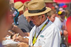 Jack Roush signs autographs