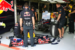Mark Webber, Red Bull Racing front wing change