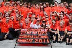 John Button, McLaren Mercedes, feiert seinen 200. Grand Prix