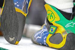 Shoes of Tony Kanaan, KV Racing Technology-Lotus