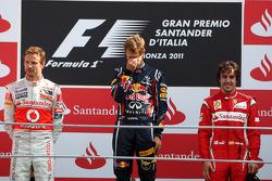 Podium: Sieger Sebastian Vettel; 2. Jenson Button; 3. Fernando Alonso