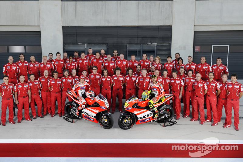 Ducati Team photoshoot: Nicky Hayden, Ducati Team and Valentino Rossi, Ducati Team