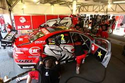 Toll Holden Racing Team : Garth Tander, Ryan Briscoe