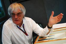 Bernie Ecclestone and Michael Schumacher, Mercedes GP Petronas interview