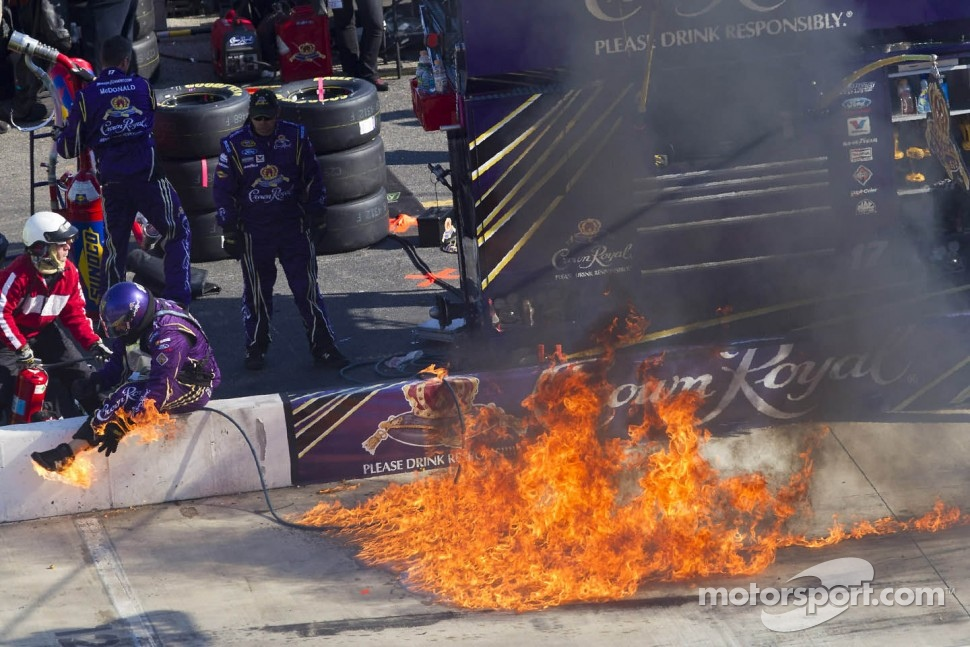 Fire in the Roush-Fenway pit