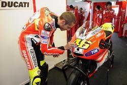 Валентино Росси, Ducati Marlboro Team