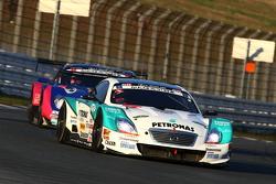 #36 PETRONAS TOM'S SC430: Kazuki Nakajima