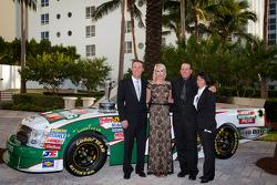 NASCAR Camping World Truck Series owner champion Kevin Harvick, Kevin Harvick Inc. Chevrolet, Delana Harvick, Ron Hornaday and his wife