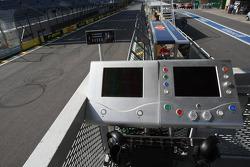 Race start system
