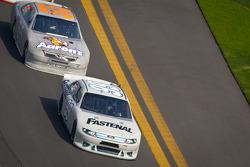 Carl Edwards, Roush Fenway Racing Ford, Mark Martin, Michael Waltrip Racing Toyota