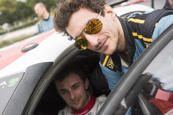 Лоренцо Бертелли и пилот Citroën World Rally Team Стефан Лефевр