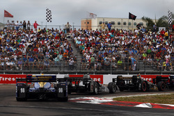 Александр Россі, Herta - Andretti Autosport Honda переслідує Джозефа Ньюгардена, Team Penske Chevrolet