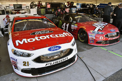 Ryan Blaney, Wood Brothers Racing Ford en Kurt Busch, Stewart-Haas Racing Ford
