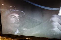 Fernando Alonso en el simulador Honda Performance  visto desde el monitor de sala de control