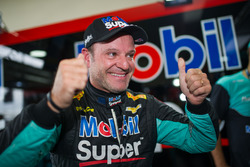 Barrichello comemora pole