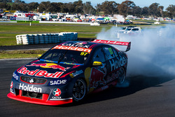 Le vainqueur Shane van Gisbergen, Triple Eight Race Engineering Holden