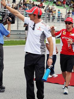 Jenson Button, McLaren tijdens de rijdersparade