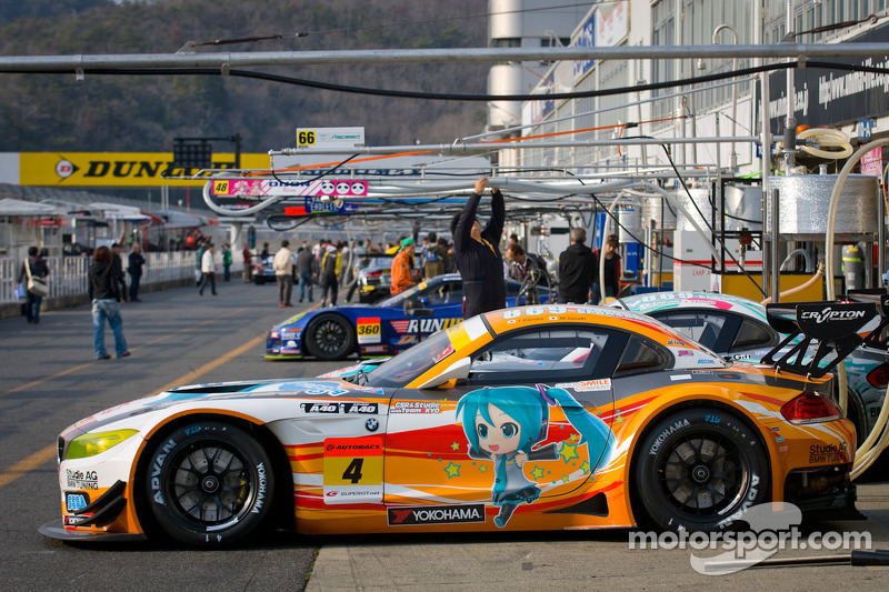 4 Gsr Amp Studie With Team Ukyo Bmw Z4 Gt3 At Okayama