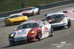 GT cars in action at Paul Ricard, 2012