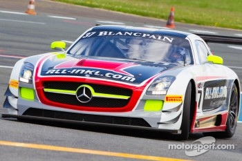 Mercedes-Benz SLS AMG GT3 with Nicky Pastorelli