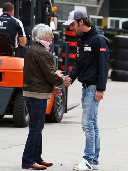 Bernie Ecclestone, CEO Formula One Group, met Jean-Eric Vergne, Scuderia Toro Rosso