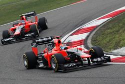 Timo Glock, Marussia F1 Team ve takım arkadaşı Charles Pic, Marussia F1 Team