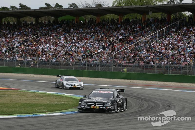 Gary Paffett, Team HWA AMG Mercedes, AMG Mercedes C-Coupe en Jamie Green, Team HWA AMG Mercedes, AMG