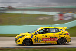 #44 Nixon Motorsport Mazda Speed 3: Gareth Nixon, Johan Schwartz