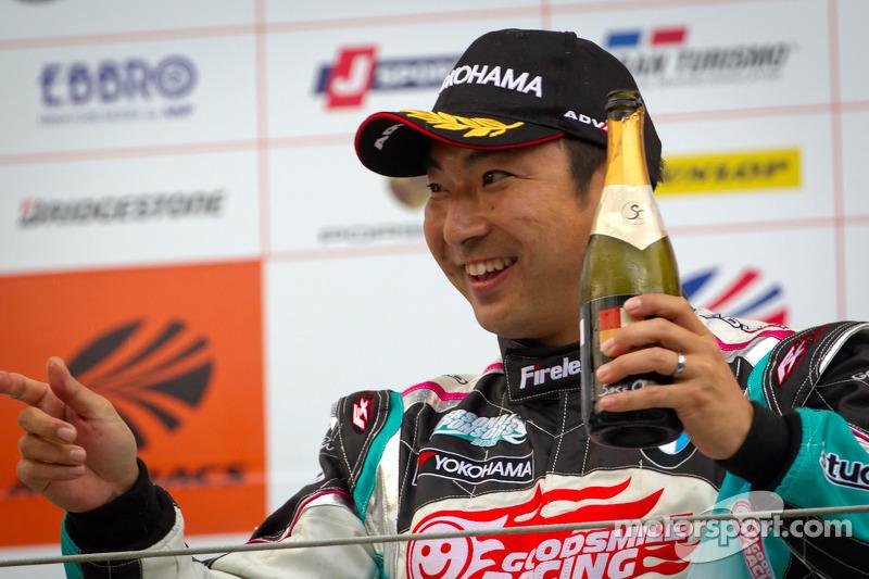 GT300 podium: winnaar Tatsuya Kataoka
