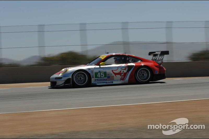#45 Flying Lizard Motorsport Porsche 911 GT3 RSR Porsche: Jorg Bergmeister, Patrick Long