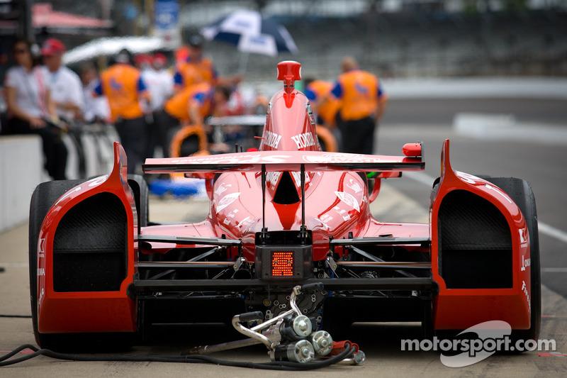 Rear wing and back of the car of Dario Franchitti, Target Chip Ganassi Racing Honda