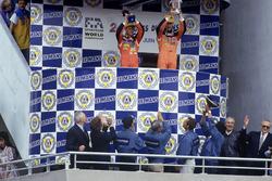 Podium: Volker Weidler, Johnny Herbert, Bertrand Gachot, Mazda 787B