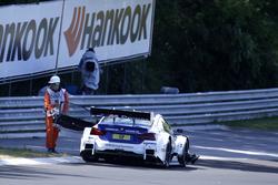 Maxime Martin, BMW Team RBM, BMW M4 DTM detenido en la pista