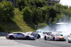 Choque de Lucas Auer, Mercedes-AMG Team HWA, Mercedes-AMG C63 DTM, Nico Müller, Audi Sport Team Abt Sportsline, Audi RS 5 DTM, Augusto Farfus, BMW Team RMG, BMW M4 DTM