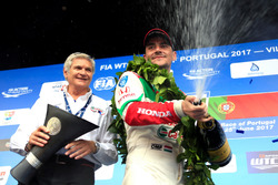 Norbert Michelisz, Honda Racing Team JAS, Honda Civic WTCC and Alessandro Mariani, Team Principal Honda Team JAS