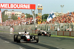 Mika Häkkinen, McLaren MP4/13; David Coulthard, McLaren MP4/13