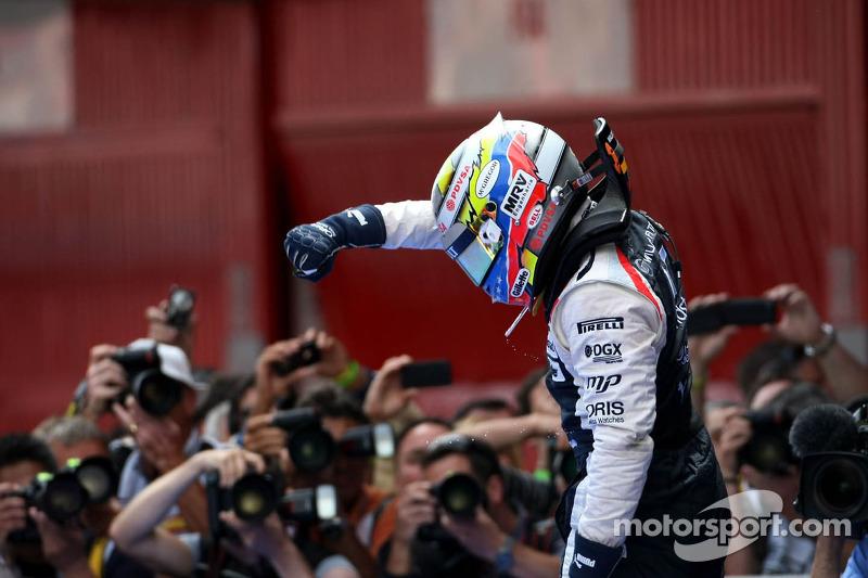 Первая победа гонщика из Венесуэлы в Ф1